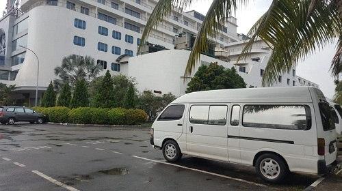Rental Mobil Toyota Hiace di Batam